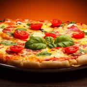 (1) Науката докажа: Јадете пица со шунка и кашкавал, сигурно ќе ослабете
