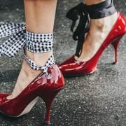 (1) Нов тренд на Инстаграм: Модни додатоци по кои светот полуде