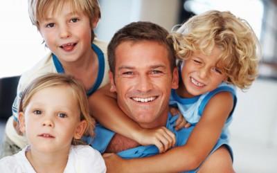 Вистински хит на Фејсбук: Урнебесен прирачник за преживување на викендот со четири деца
