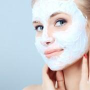 """Заборавете на ботокс: Маска за лице што ја """"пегла"""" кожата"""