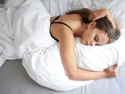 Дознајте каков карактер имате според вашите навики за спиење: Дали сте мечка, делфин, лав или волк?