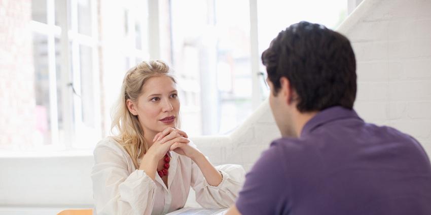 Избегнувајте да ги кажувате овие 10 работи ако имате премногу чувствителен партнер