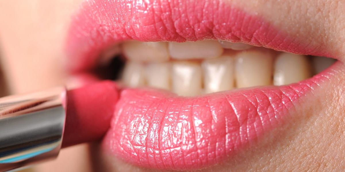 Лесен начин да ги третирате сувите усни