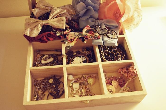 1-napravi-sama-5-praktichni-idei-za-organiziranje-na-vashiot-nakit-www.kafepauza.mk_
