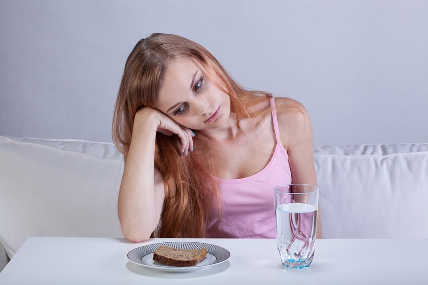 Внимавајте на вашето здравје: 5 знаци дека не јадете доволно