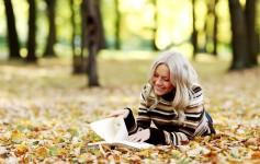 10 знаци што ќе ви помогнат да ги препознаете љубителите на книги