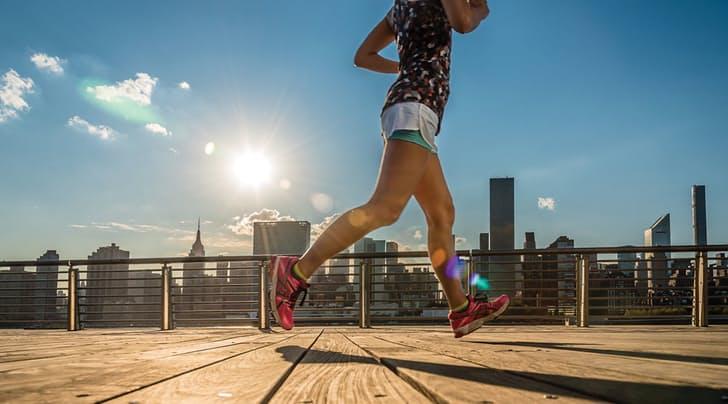Науката докажува дека трчањето не им штети на вашите колена