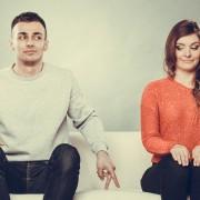 14 знаци дека повеќе се плашите да започнете врска отколку да останете сингл