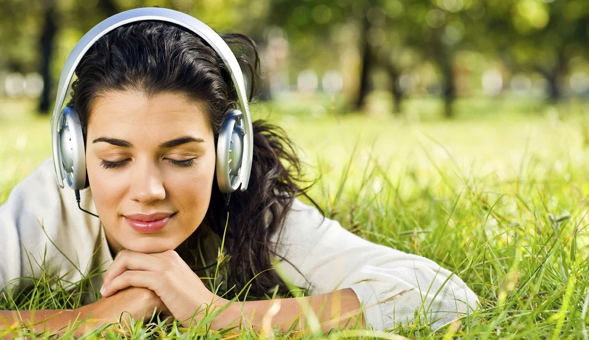 Докажано: Слушнете ја песната која го намалува стресот