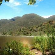 Оптичка илузија: Што гледате на сликата, езеро или ѕид?