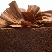 Вкусна зимска торта: Чоколадна фантазија со цимет