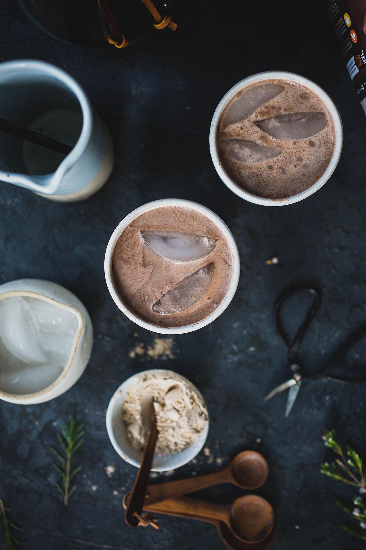 Вкусно, здраво и веганско: Смуди од кафе, какао и урми