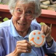 Норма со смајли колаче во Хармони, Пенсилванија