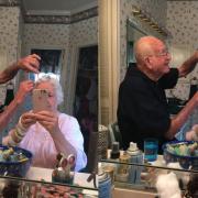 Баба и дедо во кои се заљуби цел Интернет: 200 илјади лајкови за брачниот пар без шминка