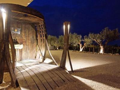 Италија го исполни сонот на љубителите на виното: Фонтана од која тече вино наместо вода!