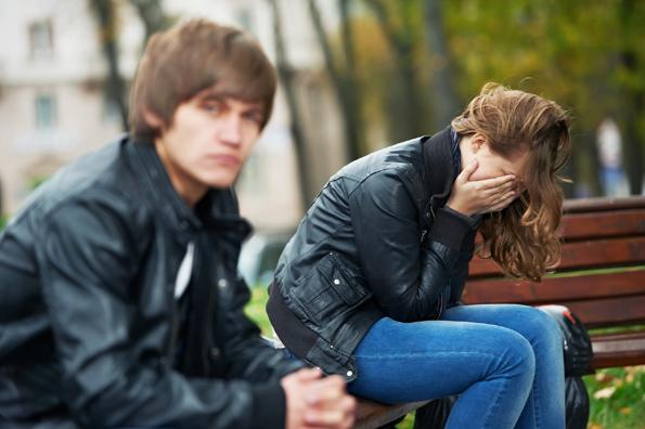 До сите повредени девојки: Престанете да го чекате оној кој ви го скршил срцето