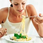 Еве зошто јадењето почесто прави да изгледате подобро
