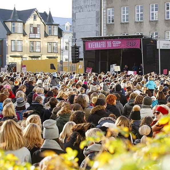 Знаете ли зошто илјадници жени во Исланд ги напуштаат работните места во 14:38 часот?