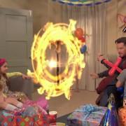 Доктор Стрејнџ е поканет на детска роденденска забава и нештата излегуваат од контрола
