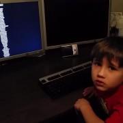 """На ова мало детенце целиот свет му се руши кога ќе дознае дека нема да има """"Half Life 3"""""""