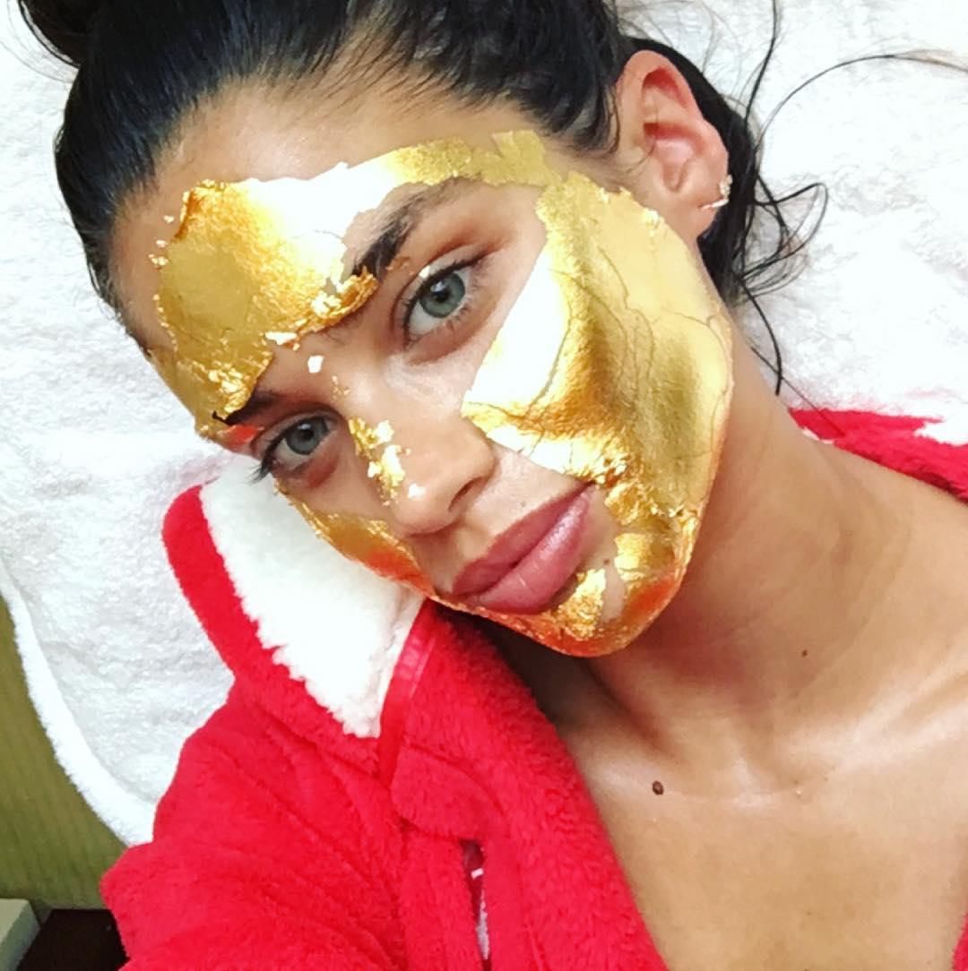 (1) 24-каратни златни маски за лице, достојни за најубавите ангели!