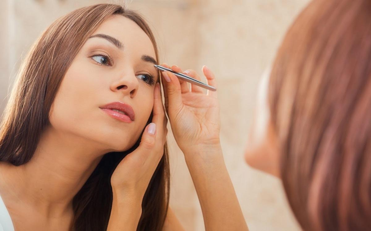 5 грешки кои ги прават жените при обликувањето на веѓите