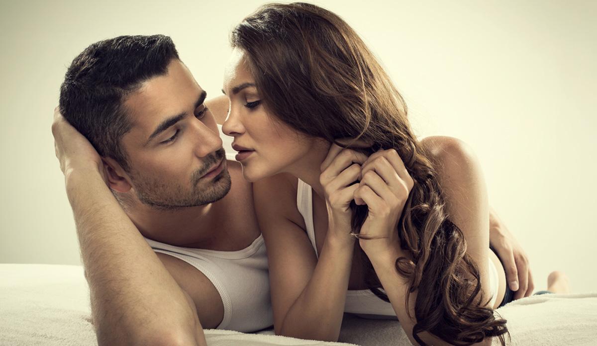До сите девојки: 6 места на машкото тело кои копнеат по вашите бакнежи
