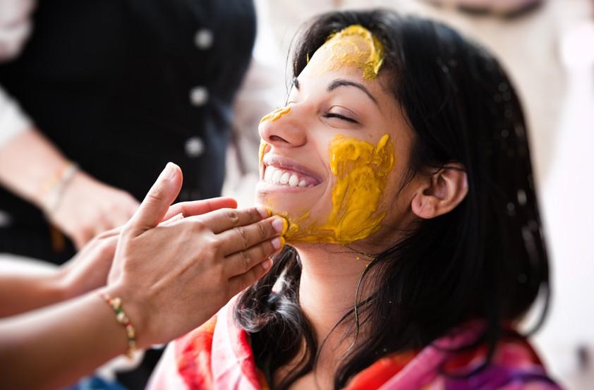 1-duri-90-od-zhenite-koi-ja-isprobale-zlatnata-maska-od-indija-velat-deka-e-dovolen-samo-eden-tretman-za-da-se-sluchi-chudo-www.kafepauza.mk_