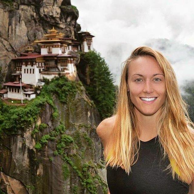 (1) На пат околу светот: Оваа девојка може да стане првата жена што ги посетила сите држави на планетата