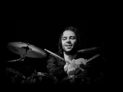 Плејлиста за релаксација: Опуштете се по напорниот ден со извонредниот музички избор на Гаро Тавитјан