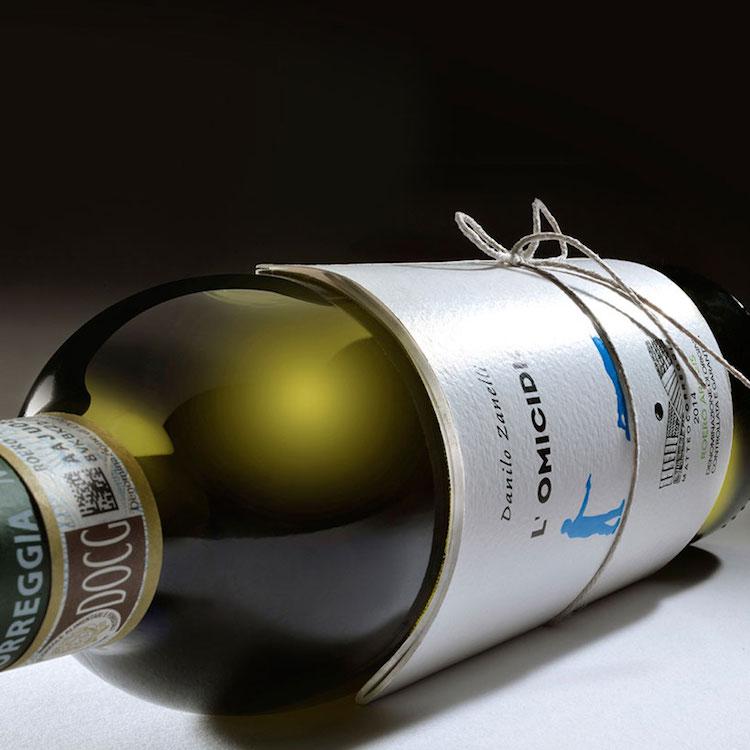 Иновативни шишиња: Читајте додека пиете вино