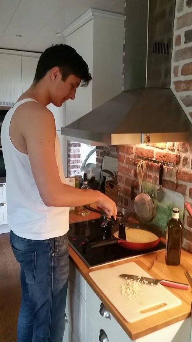 Подготвуваат појадок без да знаат што прават