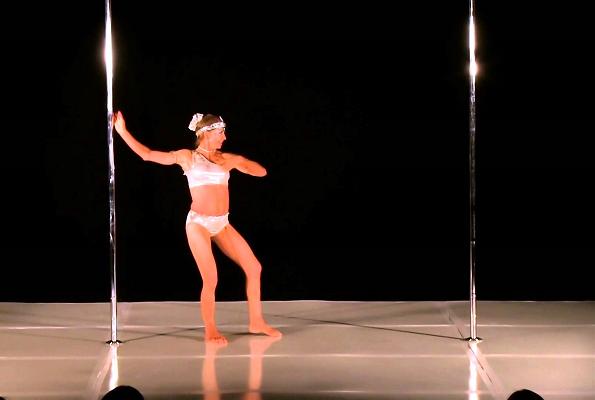 66-годишна жена е светски шампион во танцување на шипка