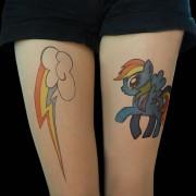 Бура и шарено коњче, инспирирани од анимирана серија