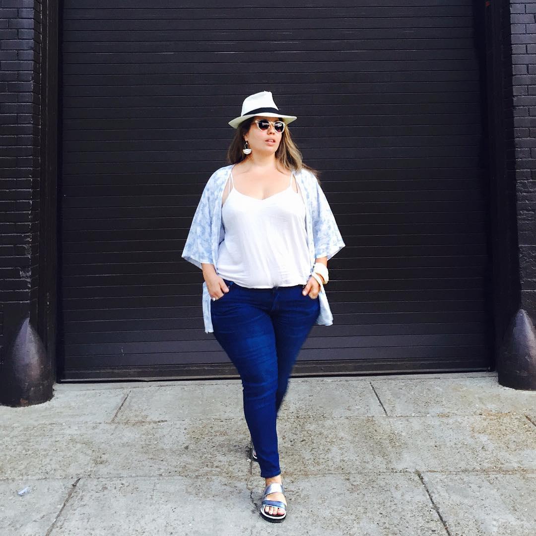 (7) Како да одберете соодветни тесни фармерки ако сте девојка со облини?