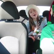 Новогодишен превоз: Убер возач ги убедува патниците да пеат песни од Мараја Кери