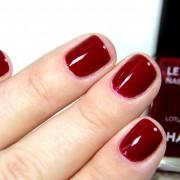 Одлични за во декември: 10 најпопуларни бои за нокти што можете да ги носите овој месец