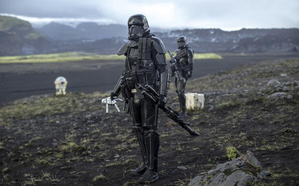 (2) Филм: Роуг 1: Приказна од Војна на Ѕвездите (Rogue One: A Star Wars Story)