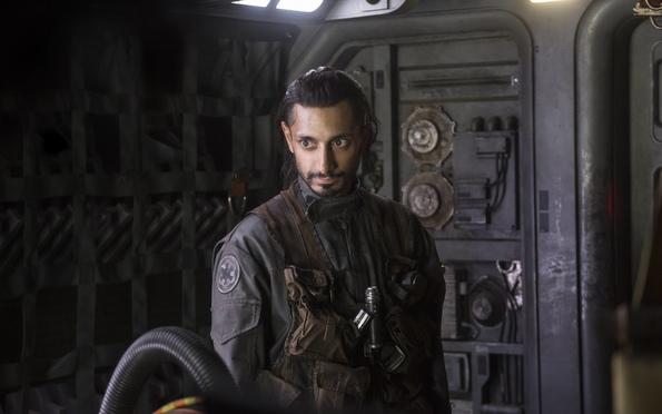 (4) Филм: Роуг 1: Приказна од Војна на Ѕвездите (Rogue One: A Star Wars Story)