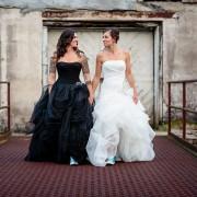 Блеснете во црно: Невестински фустани кои ќе ја откријат вашата темна страна