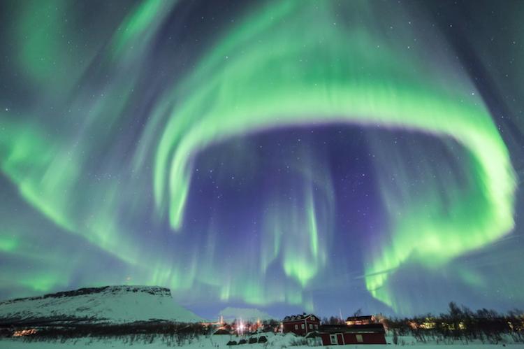 ZIMA - Page 7 6-magichni-zimski-fotografii-od-finska-pod-severnata-svetlina