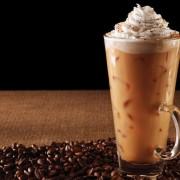 Празнично задоволство: Ледена мока за љубителите на кофеинот и чоколадото