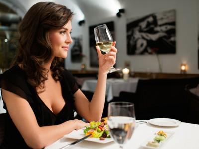 8 грешки што сигурно ги правите додека пиете вино