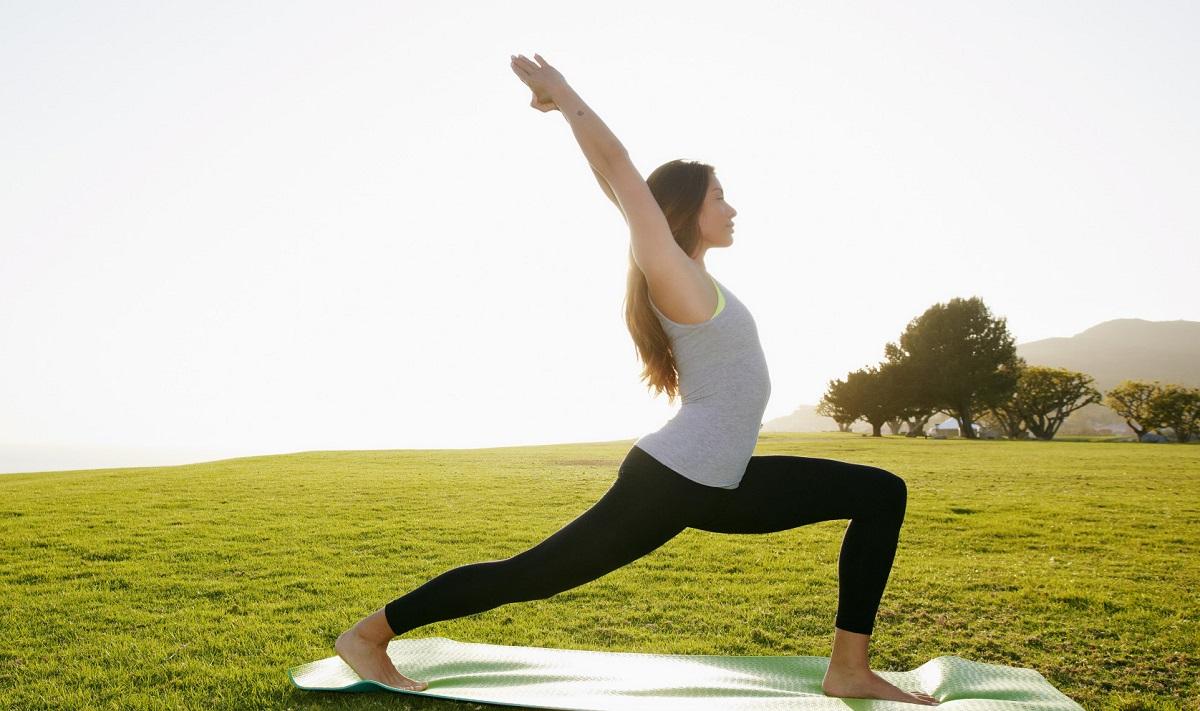 Едноставна утринска вежба од 5 минути која ќе ви го промени животот