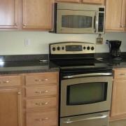 Речиси никој не ја користи за тоа: Знаете ли за што служи фиоката под рерната на вашиот шпорет?
