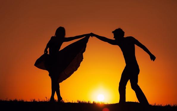 (2) Покажете ја љубовта кон саканата личност со некој од овие прекрасни романтични цитати