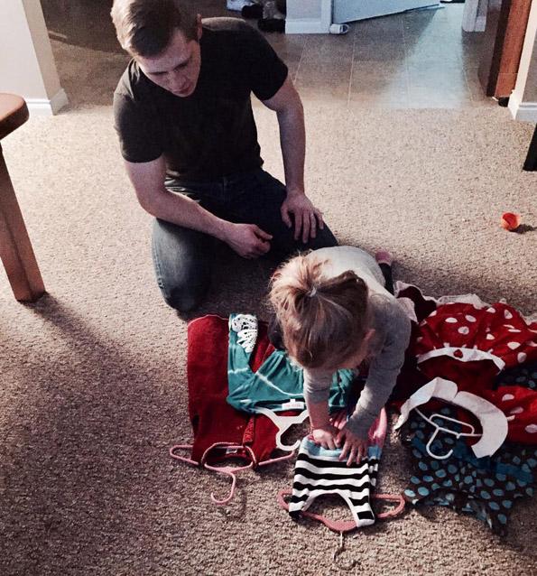 """Прекрасен ритуал: Овој татко секој месец ја носи ќерка му на """"љубовен состанок"""""""