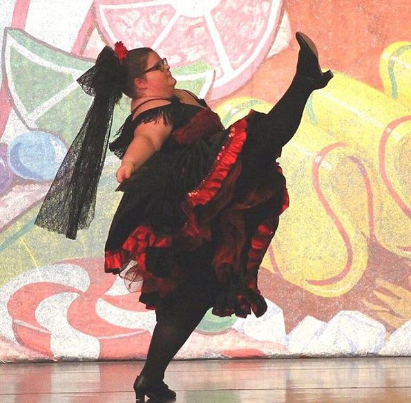 (3) Запознајте ја Лизи Хауел, балерината што ги руши сите стереотипи
