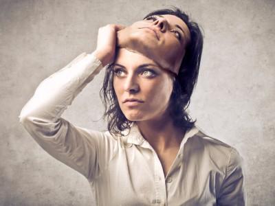 """5 знаци дека """"симпатичната"""" личност што сте ја запознале има лоши намери"""