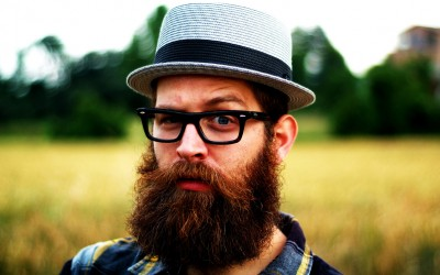 Научно докажано: Мажите со брада се подобри љубовни партнери